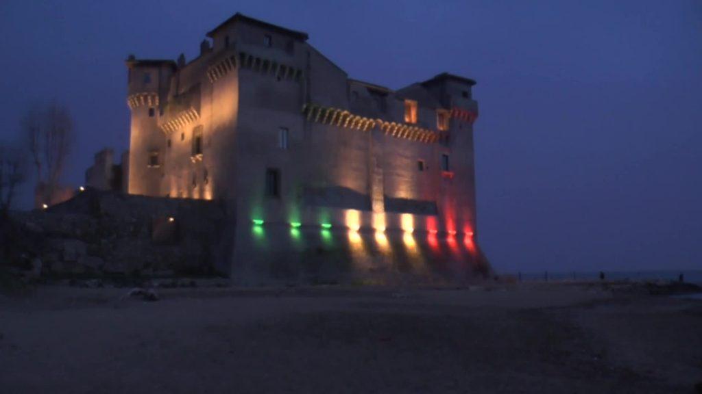 Santa Severa: il castello diventa...tricolore 3