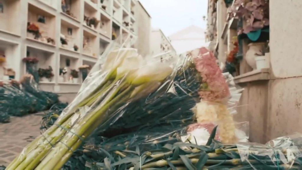 Cerveteri: distribuiti fiori alle persone anziane e ai defunti nei cimiteri 3