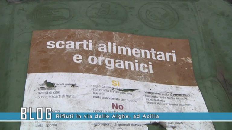 Rifiuti in via delle Alghe ad Acilia