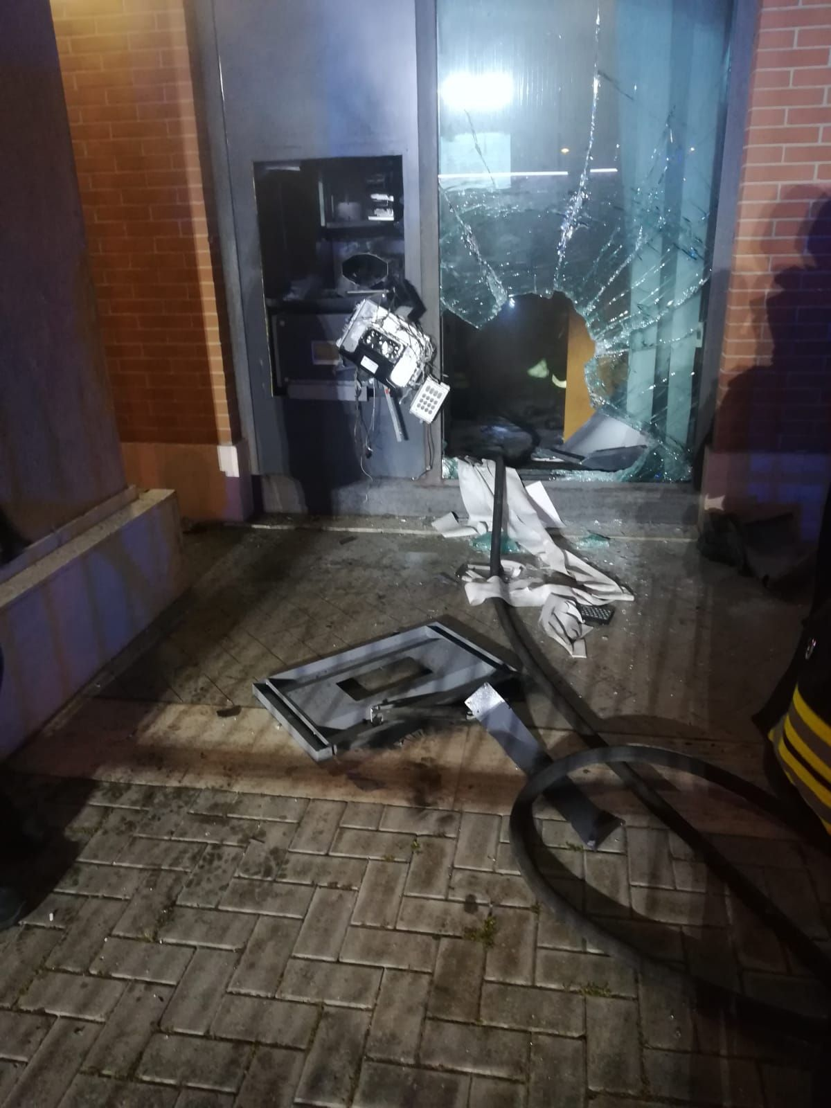 Fiumicino: esplosione bancomat