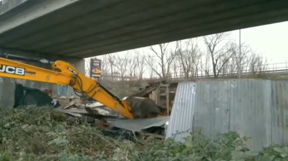 Dragona: ripulita l'area del Viadotto Zelia Nuttal 1