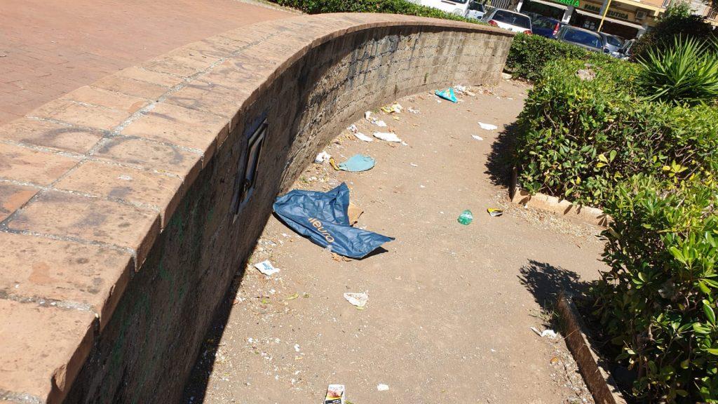 Ostia: Bordoni: Piazza delle Repubbliche Marinare è abbandonata 1