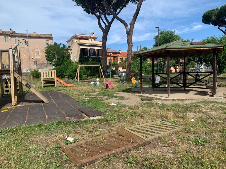 Ostia Antica: pericolo nell'area giochi del Parco dei Ravennati 3