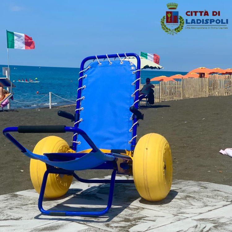 Sedie job e passerelle. A Ladispoli le spiagge sono sempre più accessibili 1