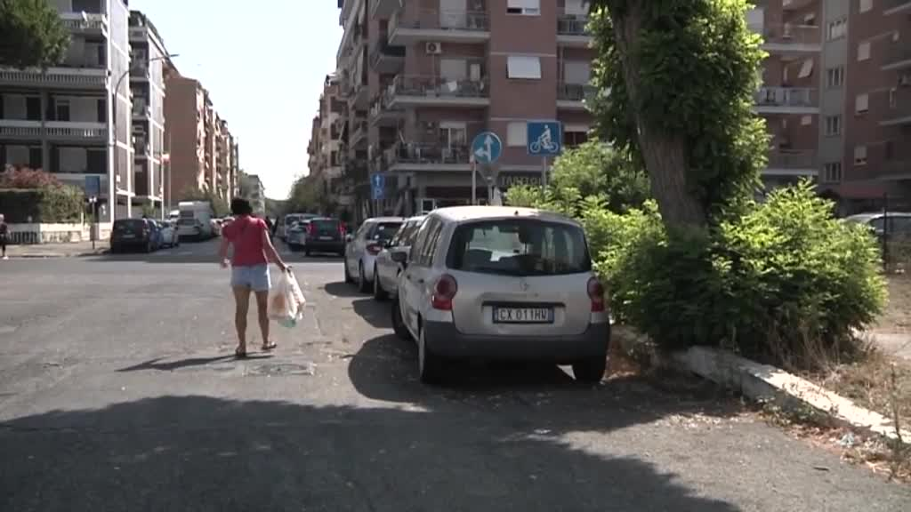 Marciapiedi pericolosi a Ostia