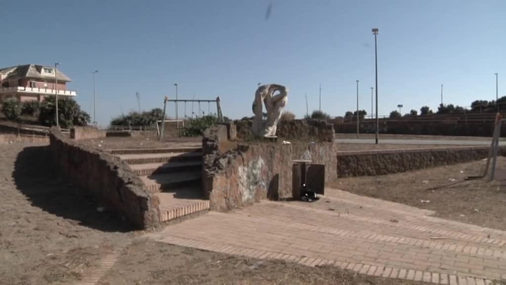Statua Pasolini sfregiata