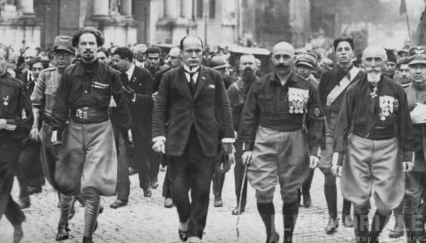 Ritrovati dai carabinieri i cimeli fascisti misteriosamente rubati dall'Archivio dello Stato 1