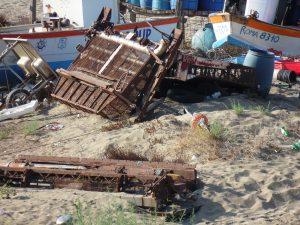Degrado nella spiaggia dei pescatori a Torvaianica 3