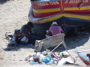 Degrado nella spiaggia dei pescatori a Torvaianica 2