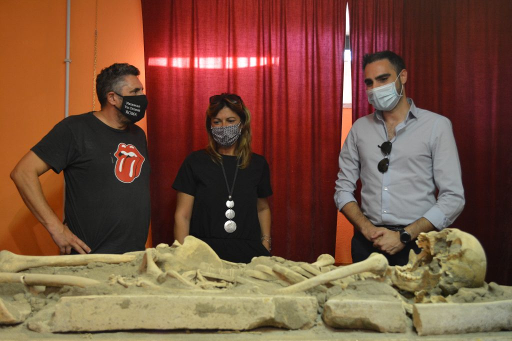 Archeologia a Pomezia: uno scheletro umano perfettamente conservato al Museo Lavinium. 2