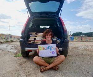 Bibliot-eco a Ostia, sette quintali di rifiuti in cambio di decine di libri (VIDEO) 1