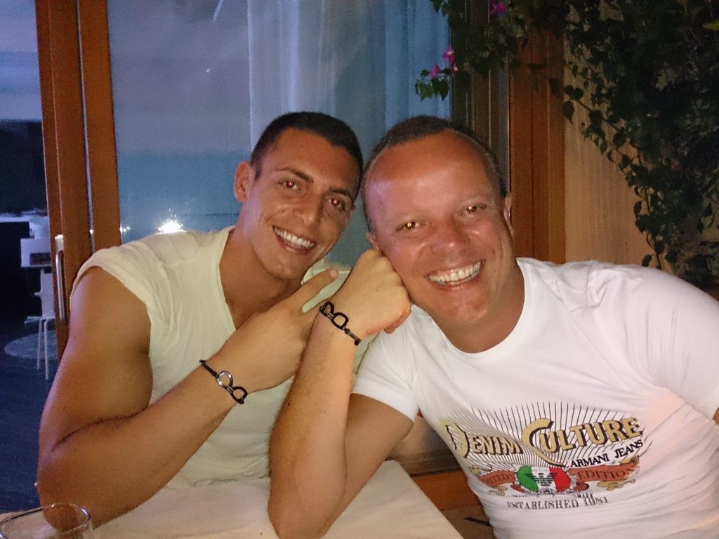 Anche il figlio di Gigi D'Alessio vittima della camorra a Roma 4