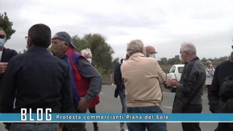 Protesta commercianti Piana del Sole