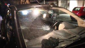 No coprifuoco, scontri nella notte: due agenti feriti e diciassette fermati 1