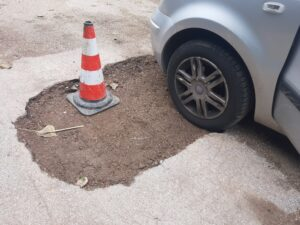 Lavori stradali in via delle Starne