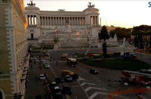 Roma, gli abeti di Natale a piazza San Pietro e piazza Venezia (LIVECAM) 2