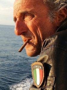 """""""Potrebbe piovere"""": un libro racconta la storia di Roberto, carabiniere esemplare (VIDEO) 1"""
