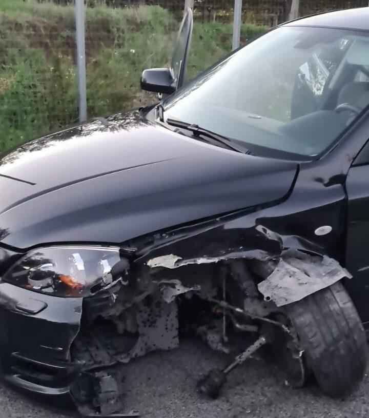 Ladri in fuga ad Ardea. Dopo un incidente lasciano in strada l'auto rubata con dentro la refurtiva 1