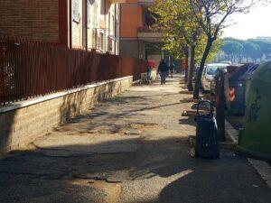 Marciapiedi killer a Ostia: anziani e disabili in pericolo 1