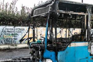 In fiamme un autobus, paura all'Infernetto 2