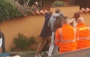 Provoca un incidente, poi aggredisce il personale del 118 giunto in soccorso (VIDEO) 1