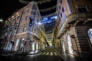 Roma, accese le luminarie. Tutte le iniziative per le festività natalizie 1