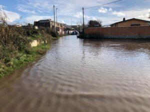 Erosione e strade allagate a Focene: i cittadini si rivolgono al Comune 1