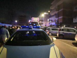 Ostia, esplode un incendio: grave una donna e due agenti intossicati (VIDEO) 1