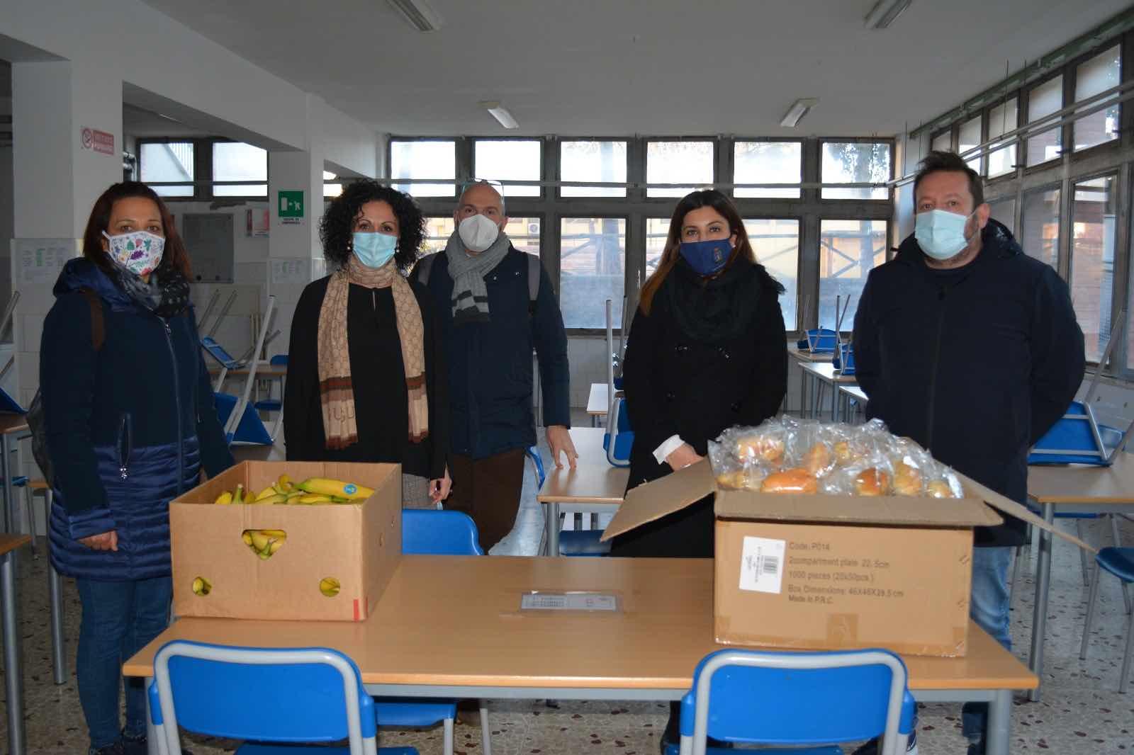 Pomezia, lotta agli sprechi: consegnato cibo alla Parrocchia di San Bonifacio 1