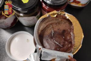 Tor Carbone, la Polizia multa minimarket per vendita di prodotti scaduti 1