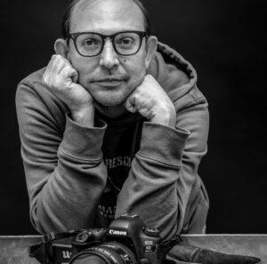 Cristiano Lollobrigida, il fotografo che fa fiorire la città in una bolla (VIDEO) 1
