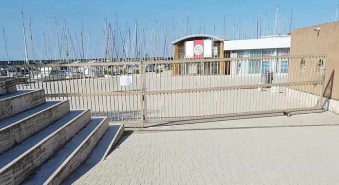 Porto di Roma chiuso