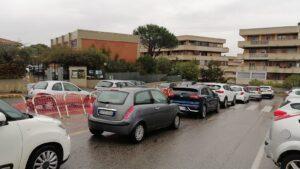 In fila per i tamponi alla scuola di Giardino di Roma: ritardi e disorganizzazione 2