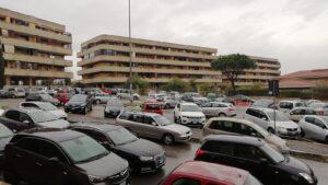 In fila per i tamponi alla scuola di Giardino di Roma: ritardi e disorganizzazione 3