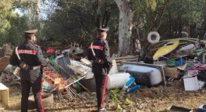 Bloccati mentre incendiano dei rifiuti: nonno e nipote arrestati a Santa Severa 1