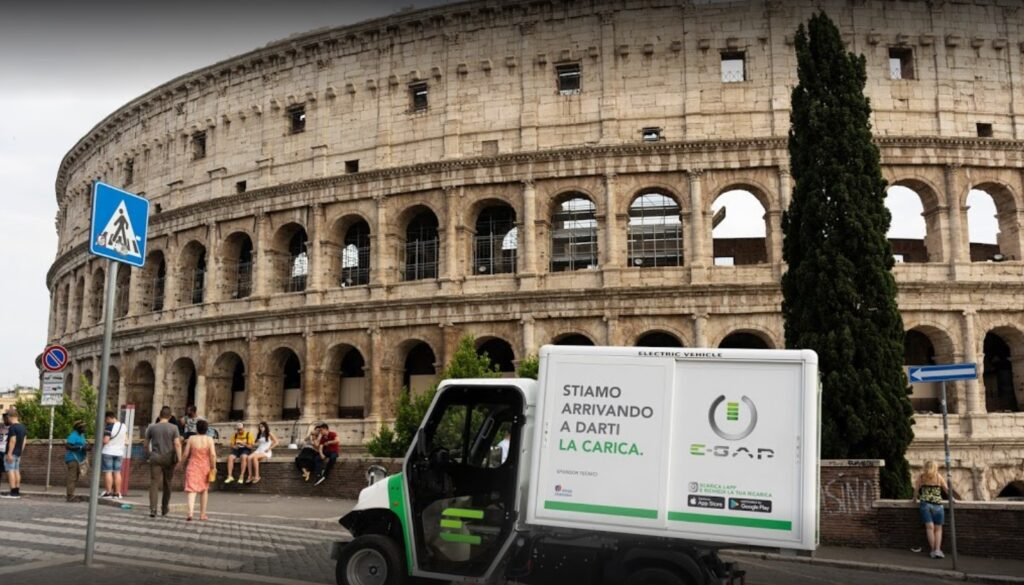 A Roma, ricarica auto elettriche a domicilio: accordo tra L'Automobile e E-Gap 1