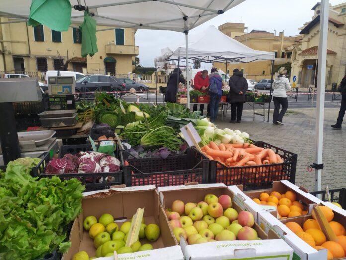mercatino bio di piazza Tor San Michele