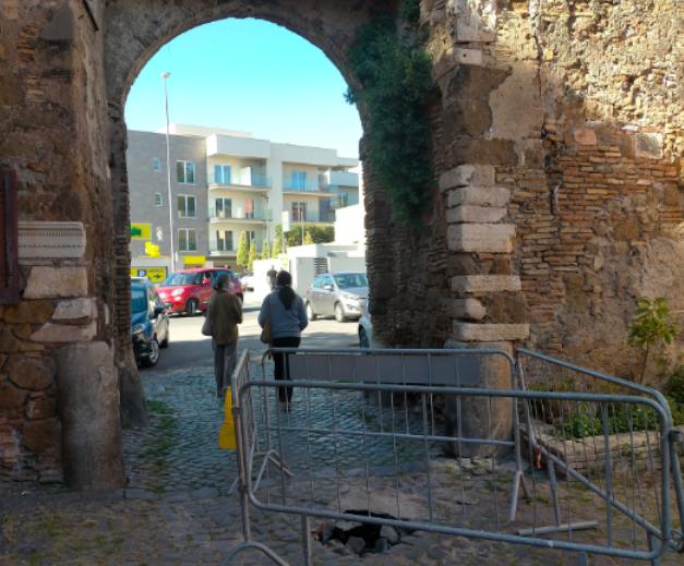 """Ostia e Ostia Antica: """"assediati dalle transenne"""" 5"""
