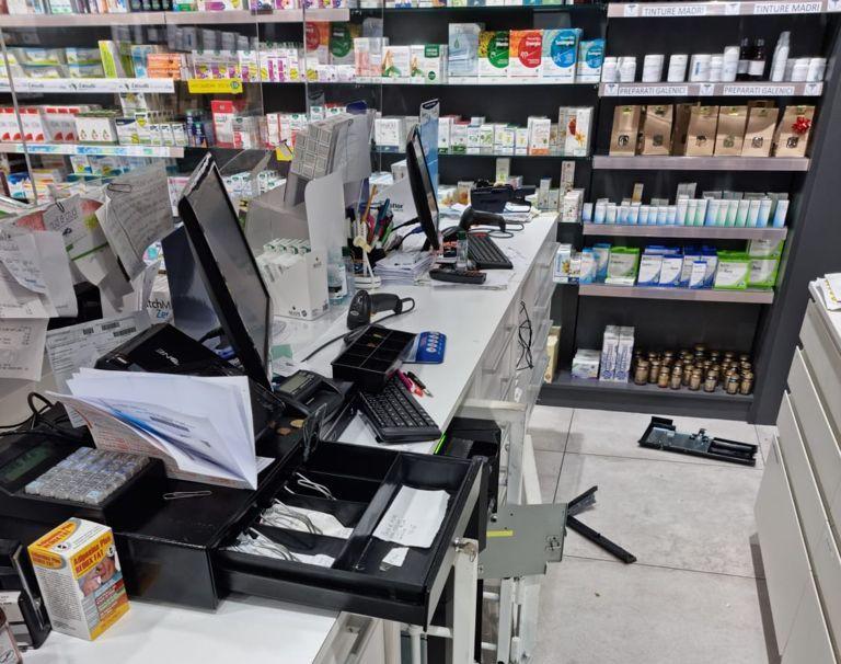 furto farmacia