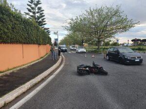 Infernetto, ancora un incidente in via Cilea: motociclista in ospedale 2