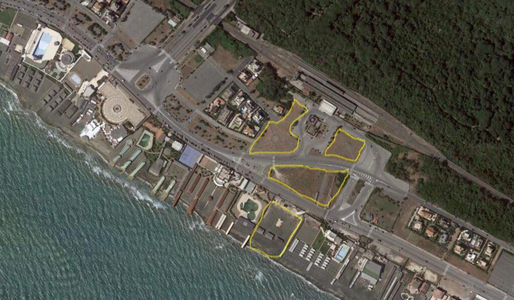 Ostia, estate con un Villaggio dello Sport davanti alla stazione Colombo 1