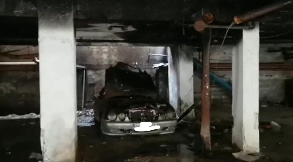 Ostia, entriamo nel garage degli orrori: liquami, cemento sbriciolato e auto bruciate (VIDEO) 1
