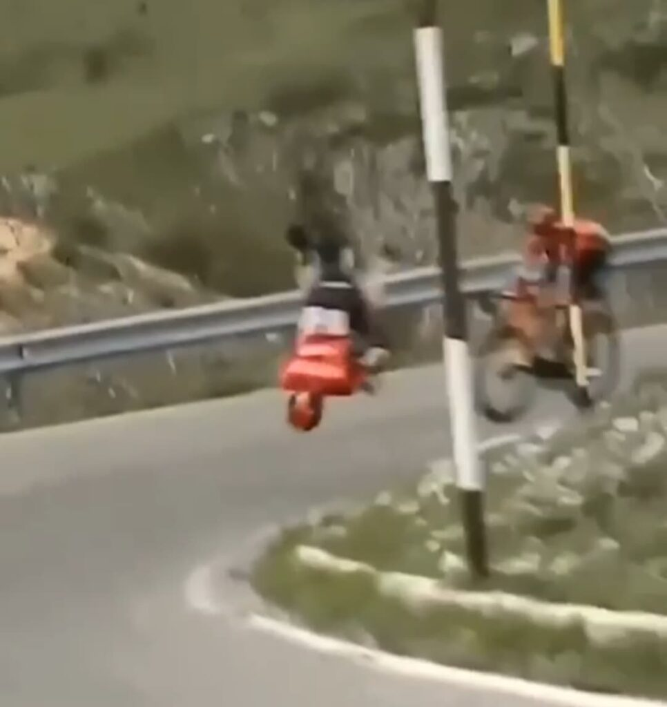 """Incidente al Giro, l'esperto: """"Cicloamatori usate sempre il casco, salva la vita"""" (VIDEO) 1"""