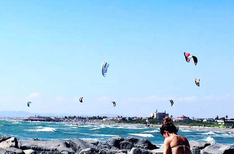 Fregene: ordinanza vieta il kitesurf. Petizione per annullarla (VIDEO) 1