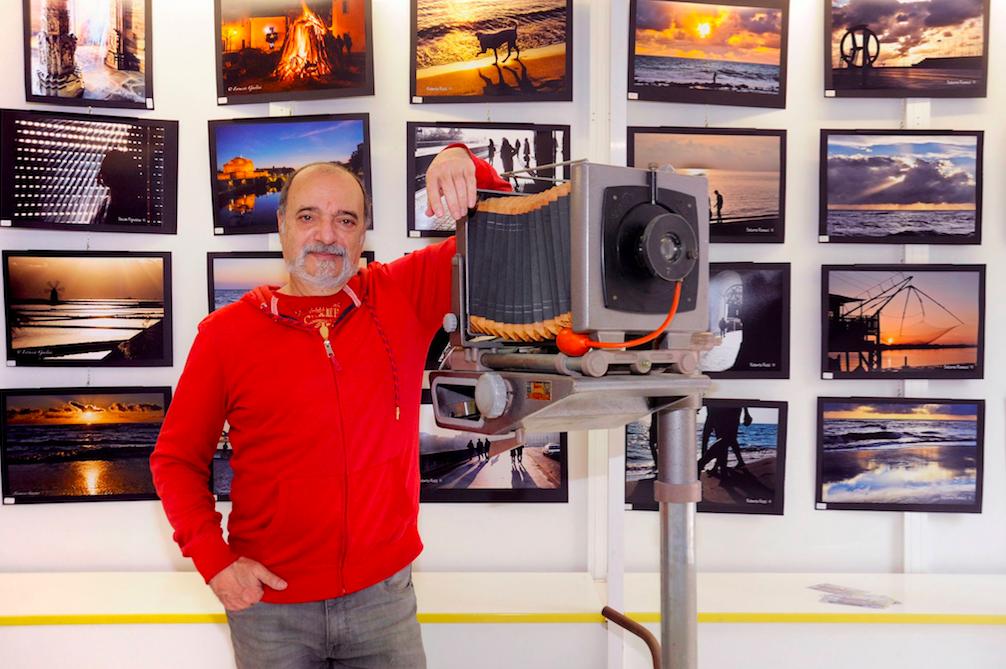 """Chiude il più antico studio di fotografia di Ostia. Sandro Di Biagio: """"Non ho trovato eredi"""" 2"""