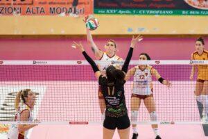 Volley femminile. Il sogno è realtà: l'Acqua e Sapone Roma è in A1 3
