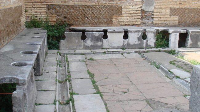 Auguri a Vespasiano, imperatore di Roma creatore del Colosseo e inventore degli orinatoi 4
