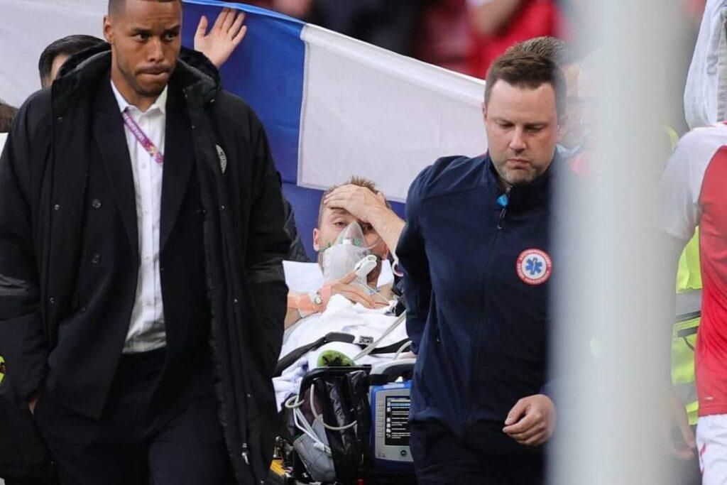 Europei, massaggio cardiaco in campo per Christian Eriksen: Danimarca-Finlandia sospesa 1