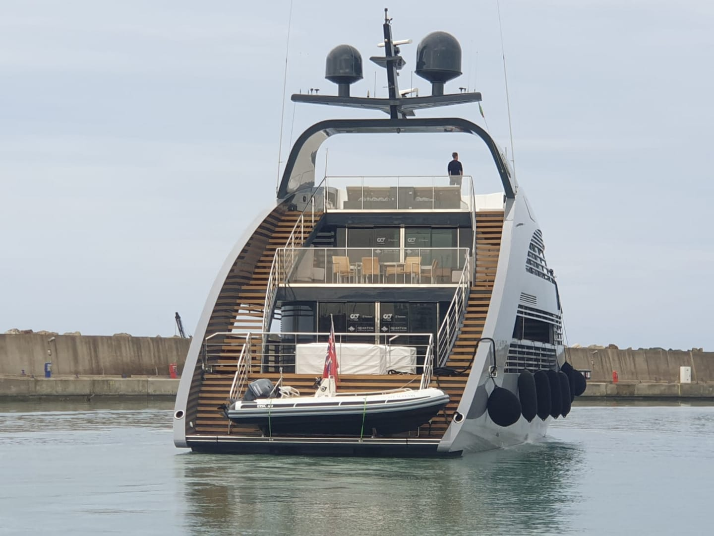 "Un megayacht ""astronave"" di 41 metri sbarca al porto di Ostia 1"