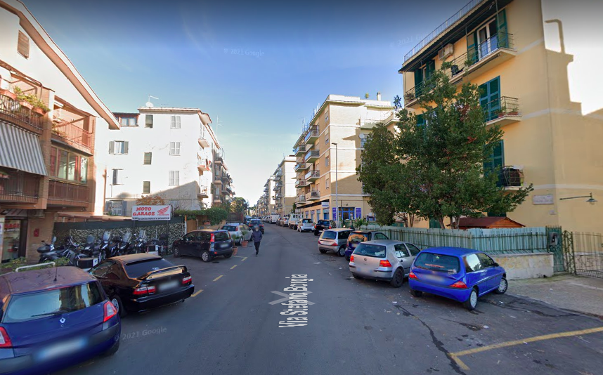 Roma, bimbo cade in un pozzo di cantiere: per fortuna era senza acqua 1